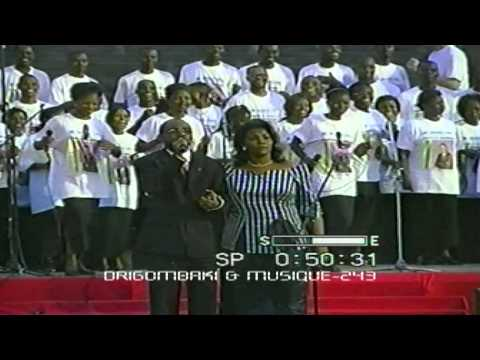 Papa Charles Mombaya concert d
