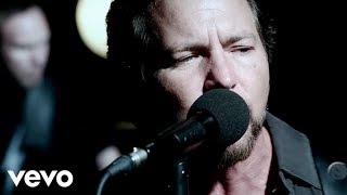 Watch Pearl Jam Sirens video