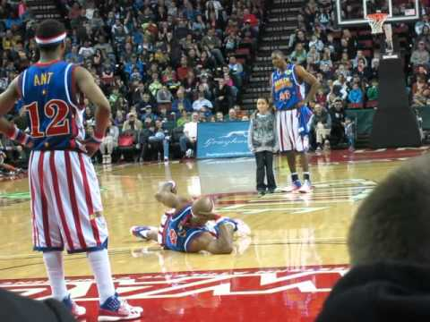 HARLEM GLOBETROTTERS 2013 - KAWIKA