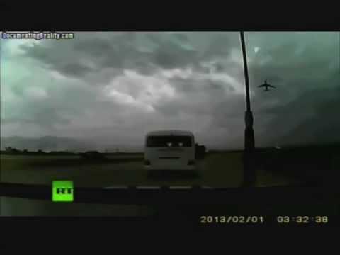 Accidente aereo base Bagram, Afghanistan; Morales expulsa a USAID; Golpes en AN Venezuela