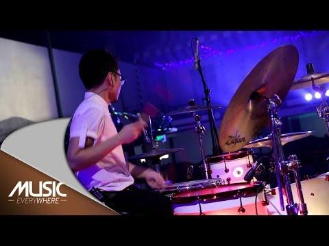 Vierratale - Cinta Butuh Waktu (Live at Music Everywhere) *