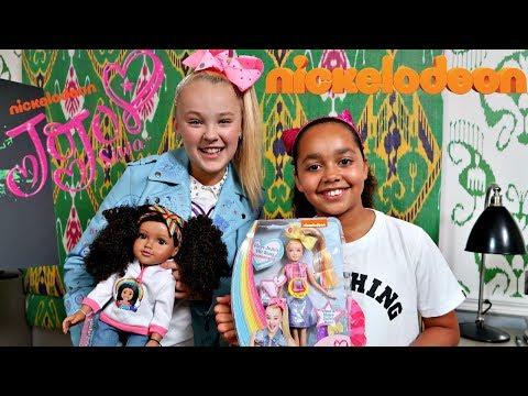 KIDS REACT! Toys AndMe & JoJo Siwa Dolls Swap Surprise Presents!