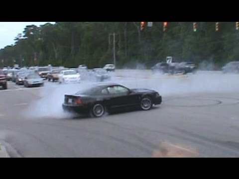 Mustang Week 2012 Leaving Show Burnouts & Pullouts & Myrtle Beach Spee