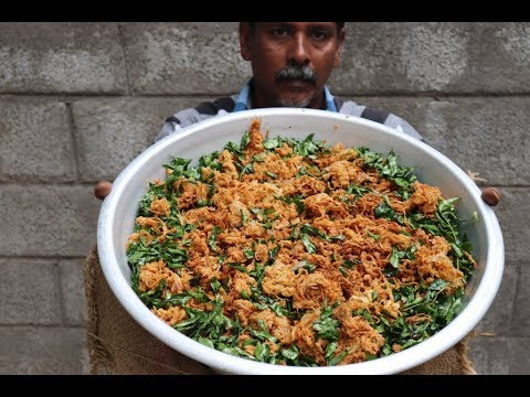 Onion Pakoda Recipe / Tasty Crispy Pakoda Recipe / Snacks Kitchen