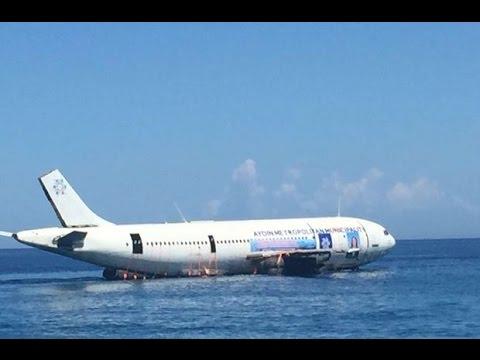 Airbus plane landed on sea in Kuşadası Turkey latest news Kuşadasında  denize uçak indirildi