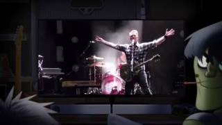 """Queens of the Stone Age sings """"Clint Eastwood"""" (by Gorillaz) at Fuji Rock Festival 2017"""