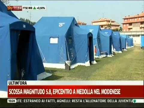 Terremoto, le immagini della scossa dalla tendopoli di Finale Emilia (SkyTg24, 29/05/2012)