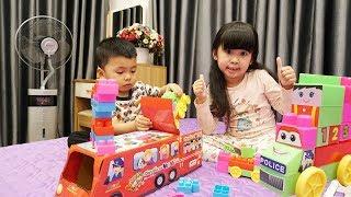 Trò Chơi Xếp Hình Ô Tô – Bé Bún và Bé Bắp Chơi Đồ Chơi Trẻ Em ♥CreativeKids♥