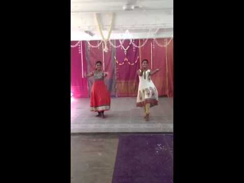 Thilanee And Nivetha Dance Performance (rathai Manathil) video