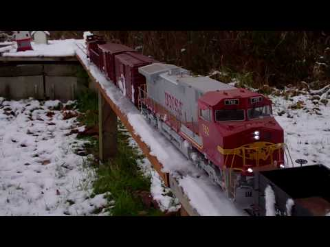 G Scale Trains (Snowplowing with BNSF 752 WB Dash 9 on Christmas Day 2017)