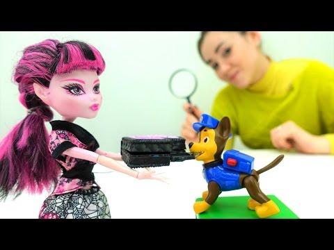 #ВидеоДляДетей — Куклы МонстрХАЙ Дракулаура и Рошель потеряли кошельки! #БюроНаходок ДетскийДетектив
