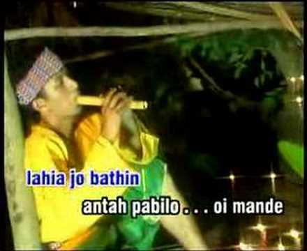 Rilakan Denai Bajalan - Eddy Silitonga video