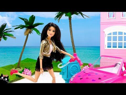 BARBIE Adopta Nuevas Mascotas y sus Hermanas le Lavan el Coche Carro - Muñecas Barbie Cat Juguetes