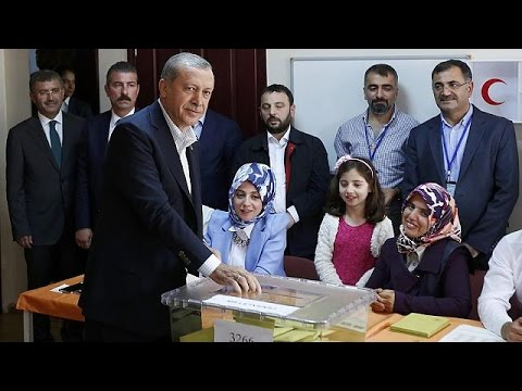 Turkey votes in parliamentary election that could mean new powers for Erdogan