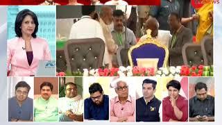 Bengaluru: BSP chief Mayawati and Akhilesh shares stage during swearing-in ceremony of Kumaraswamy