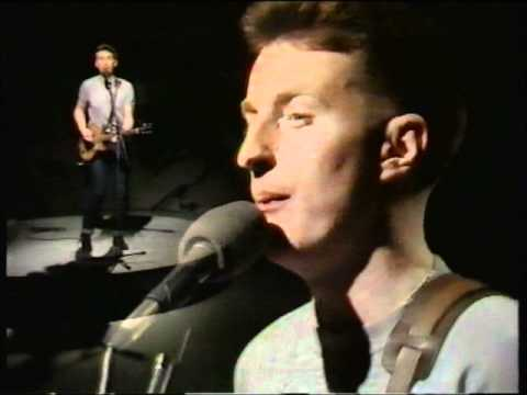Billy Bragg - The Milkman Of Human Kindness