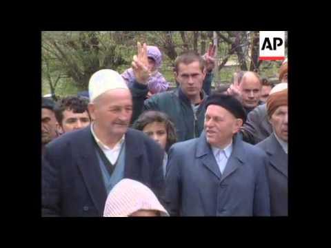 KOSOVO: PRISTINA: ETHNIC ALBANIANS MARCH IN PROTEST AT KILLINGS