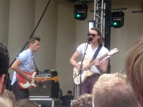 Wild Beasts - The Fun Powder Plot (Lollapalooza 2010)