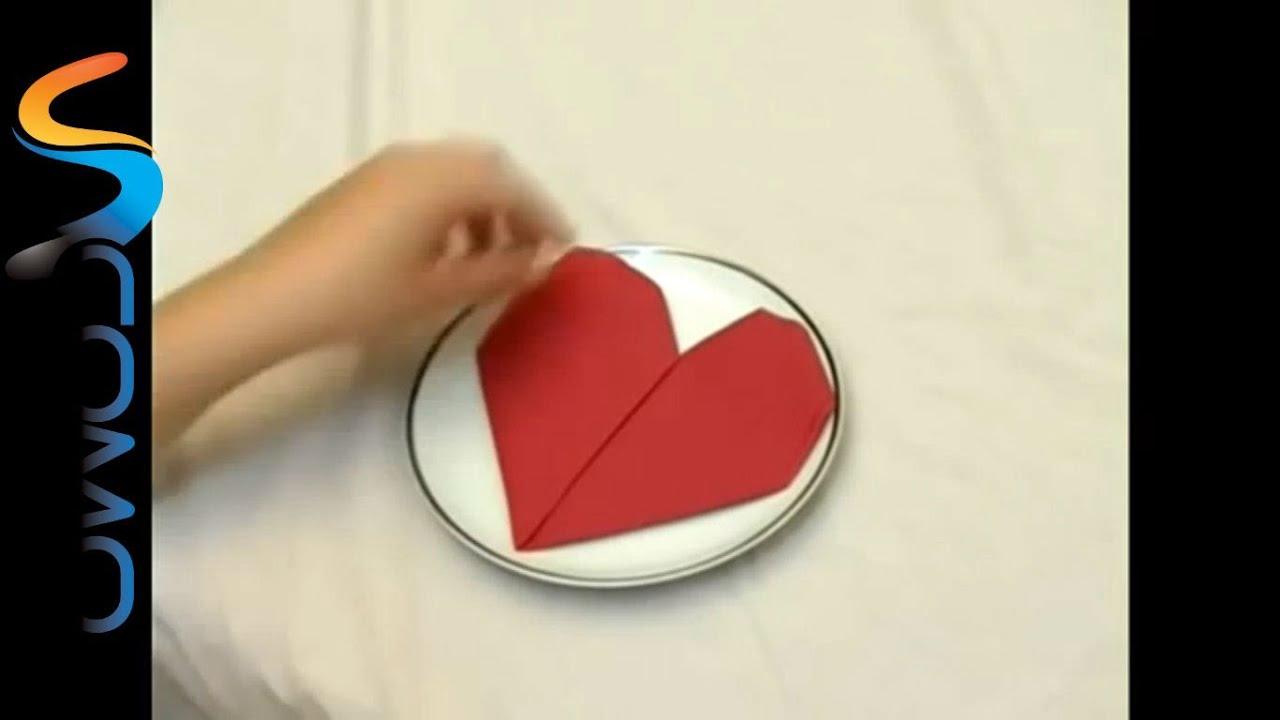 C mo hacer un coraz n con una servilleta de papel - Como decorar una servilleta de papel ...
