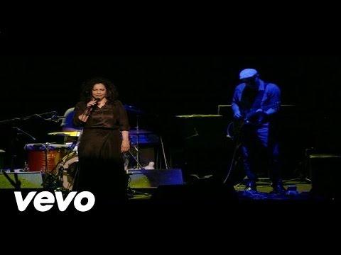 Gal Costa - Um Dia De Domingo (Live)