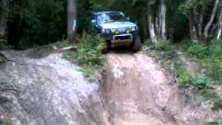 Mitsubishi Pajero - Vertical Drop - Extreme Off Road