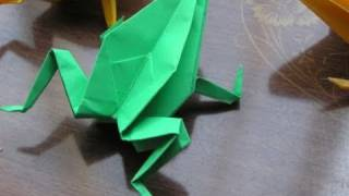 Japanese Traditional Origami 'frog'