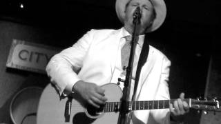 Watch Robert Earl Keen The Dark Side Of The World video