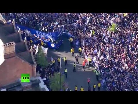 """""""What a day"""" - Jamie Vardy on Leicester City parade"""