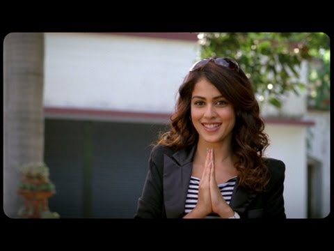 Deleted Scene - Genelia's Introduction - Tere Naal Love Ho Gaya video