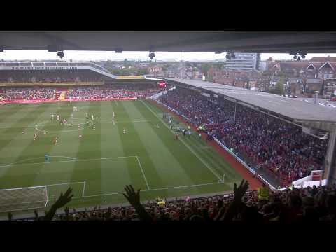 Psycho Is Back The View from T2. Stuart Pearce's First Game Back at the City Ground