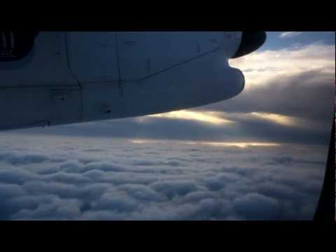 Air Southwest - Taxi & Takeoff London Gatwick Dash 8-300 Snowed in