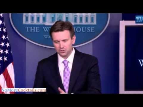 Major Garrett hammers Josh Earnest over talk of more sanctions on Russia