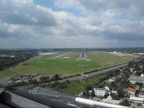 Dash 8 Q400 Landing Txl 26r