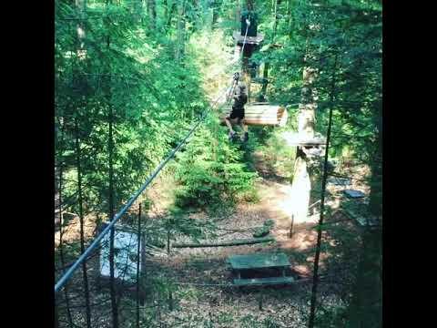 Leyla in het klimbos