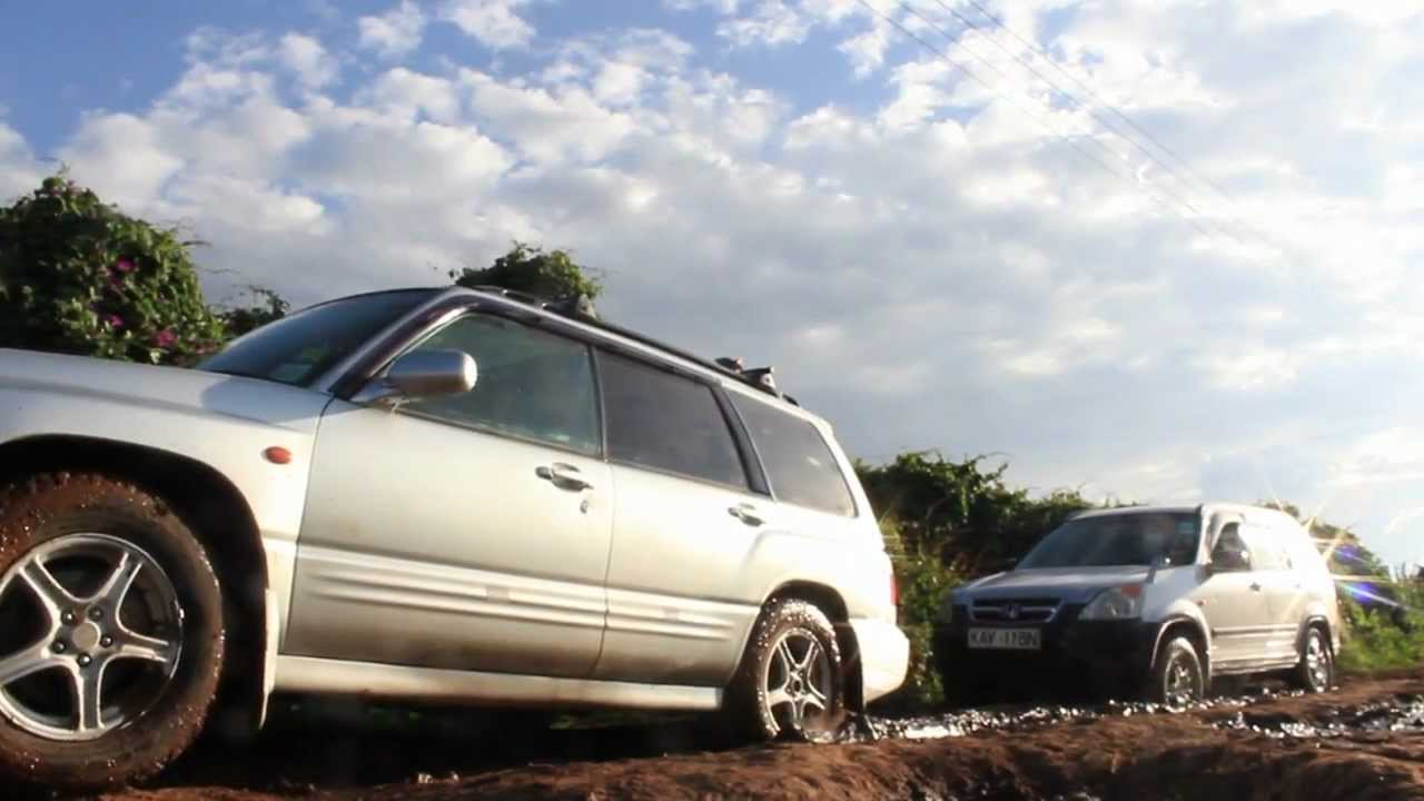 Subaru forester vs honda crv pt 01 youtube for Honda crv vs subaru forester