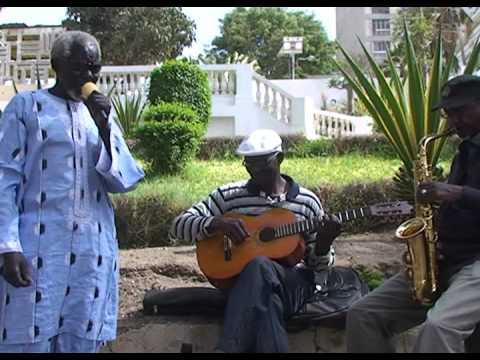 Ablaye Thiossane - un premier album à 74 ans