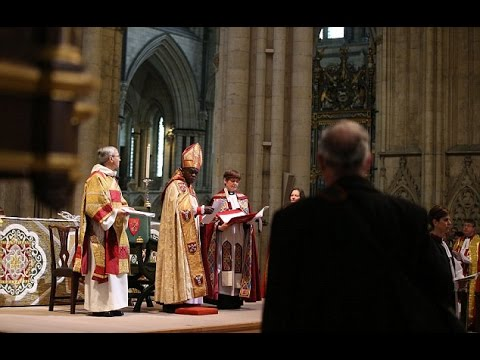 Dramatic picture moment protesting vicar during consecration of the first female bishop in England