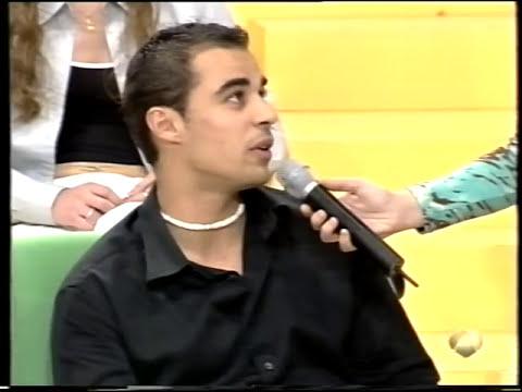 Va a declararse y se lleva un chasco / Palo en televisión / Spanish Girl