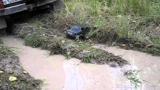 1/10 Mercedes G-Wagen in mud 4
