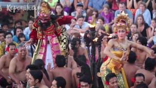 Kecak Monkey Chant Fire Dance , Tari Kecak di Pura Luhur Uluwatu, Pulau Dewata Bali