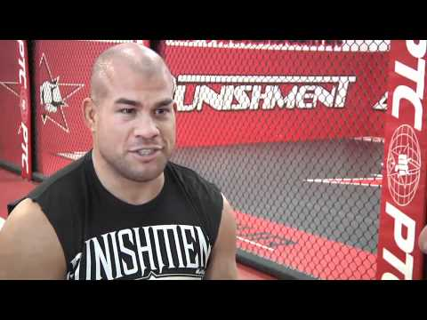 MMA fighter Tito Ortiz prepares for UFC 140 Image 1