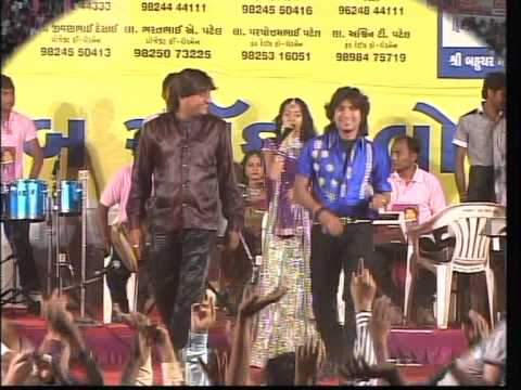 Vikram Thakor Mamta Soni - Gujarati Garba Songs Live 2012 - Day10 - Part 14 video