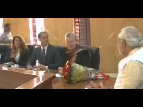 American Ambassador to India Nancy Powell meets BJP prime ministerial candidate Narendra Modi