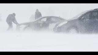 "Breaking ""Colorado Springs Bomb Cyclone Blizzard"" 1,000 Cars Stranded"