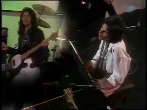 Queen - Good Old Fashioned Lover Boy - Live At TOTP 1976