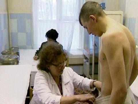 doktor-smotrit-golih