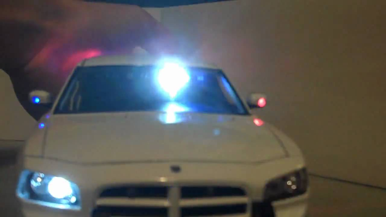 1 18 Welly Dodge Charger Undercover Police Package W Interior Flashing Lightbars Youtube