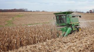 How a corn head works - Corn Harvesting