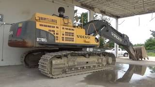 Volvo 700 excavator- The walk around of a huge machine