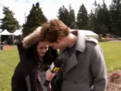 Robert pattinson and Kristen Stewart funny interview